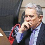 El  mismo ex presidente y Congresista Alvaro Uribe confirmo su privación de libertad